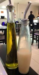 Me apaixonei pelos temperos e molhinhos, principalmente pelo LEITE DE TIGRE: suco de limão. calda de peixe e pimenta!!