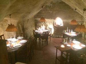 Ambiente escurinho e espetacular para desfrutar da gastronomia toscana!