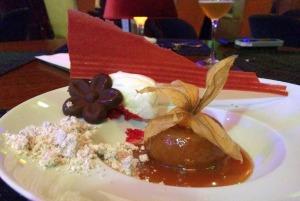 DOS DEUSES!!!!!! Vulcão de doce de leite com sorvete de coco. Um mix de sabores e texturas!