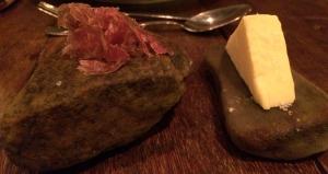 Couvert: Queijo e salaminho!! Não tenho palavras. Eu sou apaixonada por salaminho e ainda em camadas bem finininhas!! MARAVILHOSO!!!
